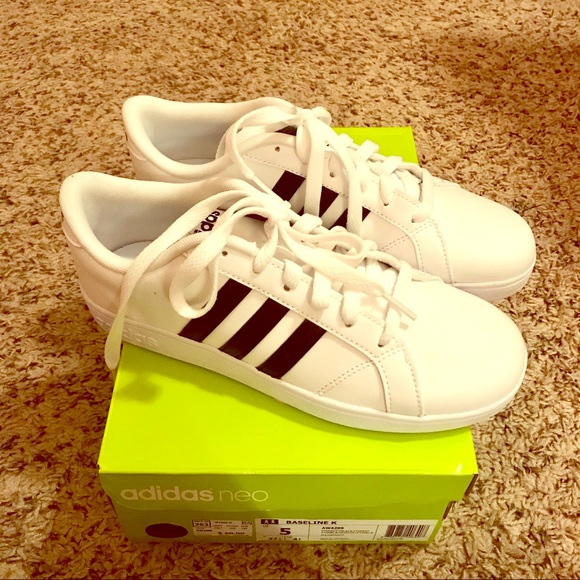 e0d70ae37c8 Adidas Neo black n white NWT kids 5 Women s 7